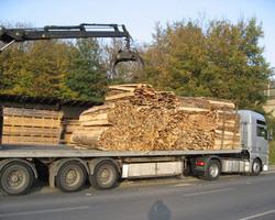 Découvrez la transformation du bois en photos, avec la Scierie de Compertrix !
